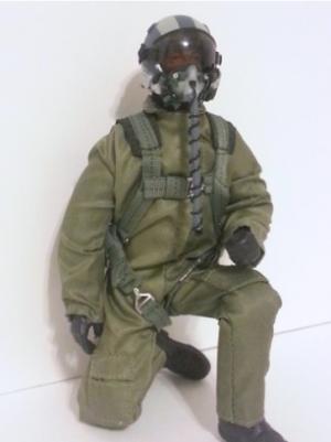 SCALE Full-Body Jet Pilot 1/8 GRÜN Kopf drehbar (mit Servo)